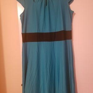 Dresses & Skirts - Ladies blue and black midi length dress sz large